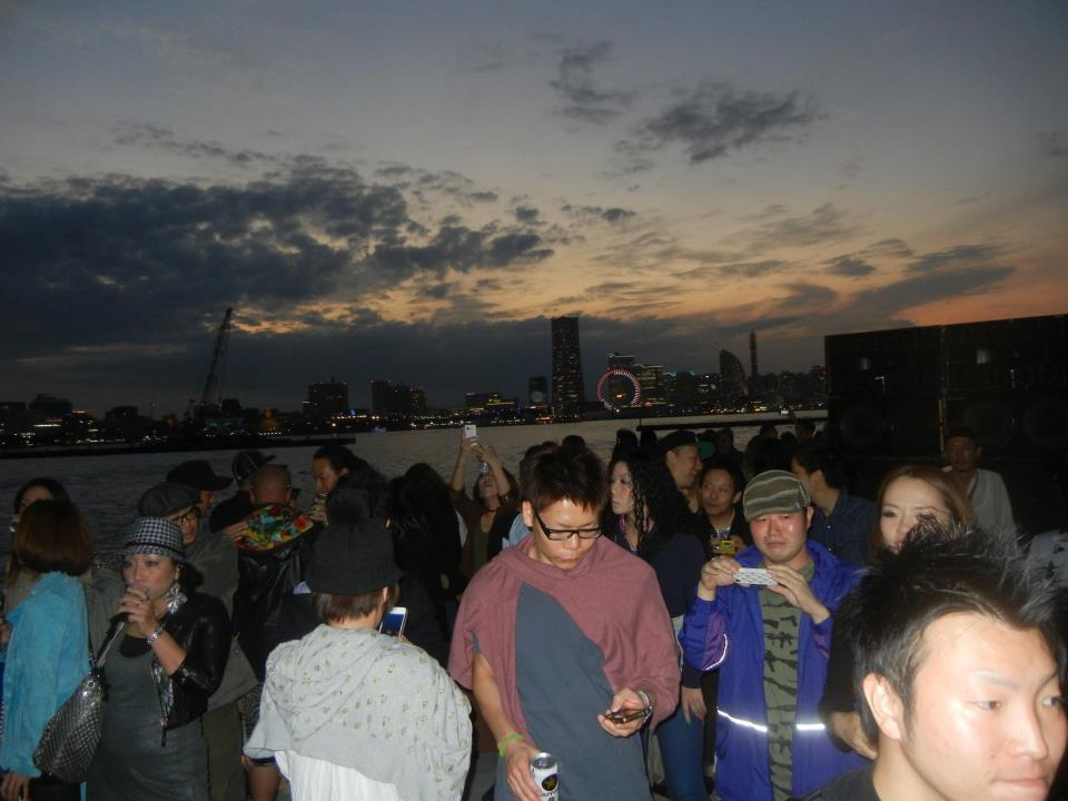 船上パーティー YOKOHAMA SUNSET BOAT RIDE パーティーレポート
