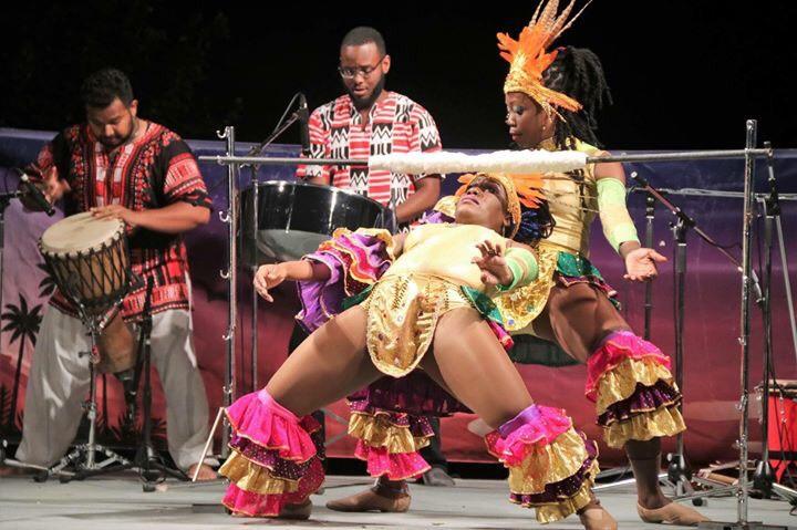 【8月26日まで】リトルワールドにてリンボーダンスなどトリニダードのステージショーが見れる!